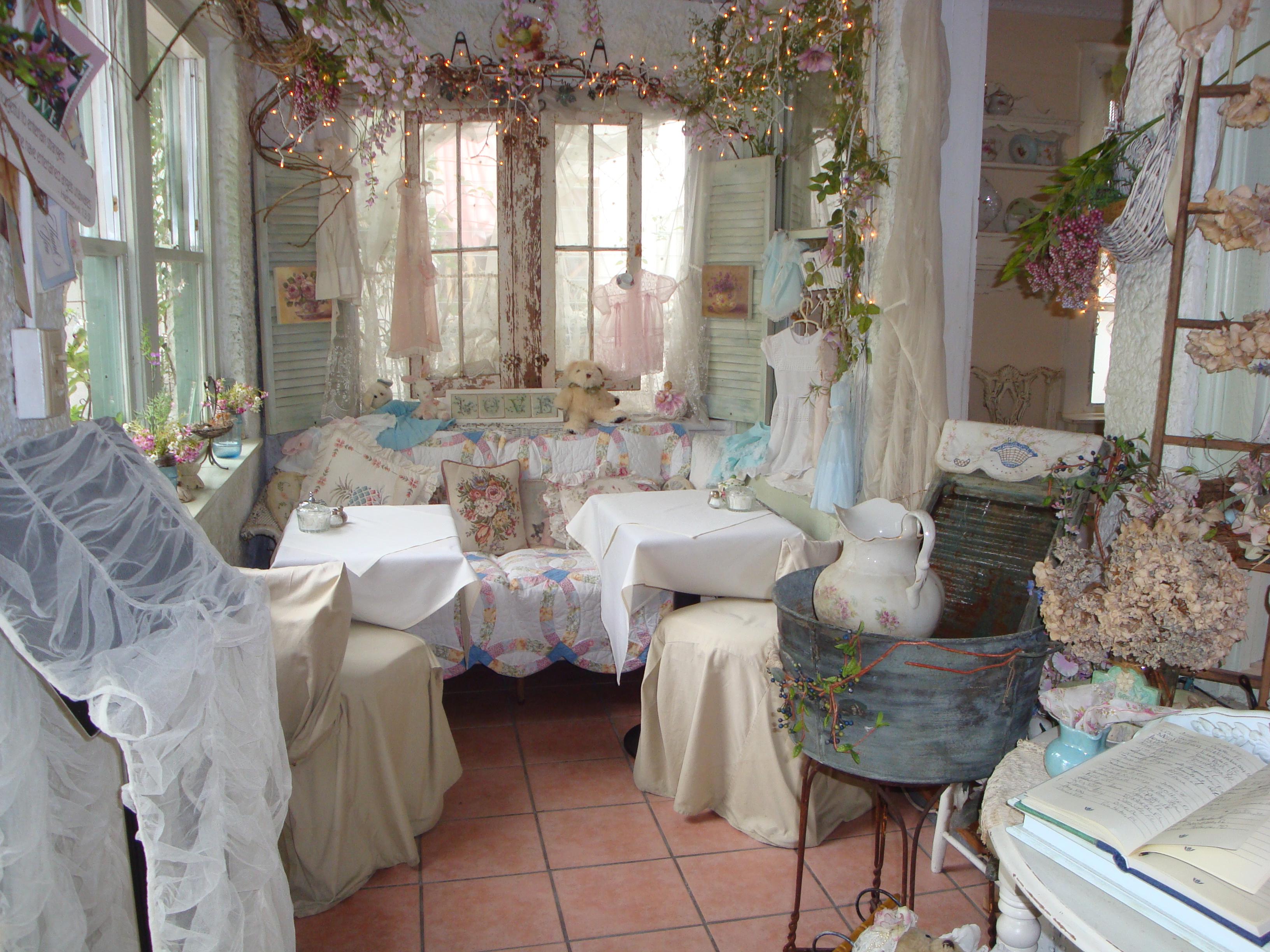 Tea time at the garden gate the delicious divas for Tea room interior design ideas