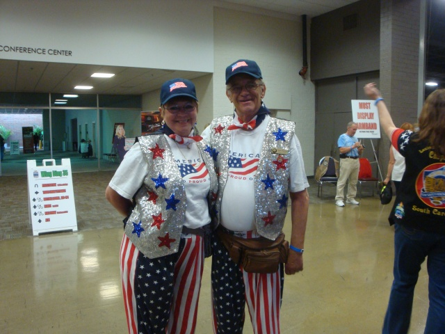 Is this a patriotic couple or what?