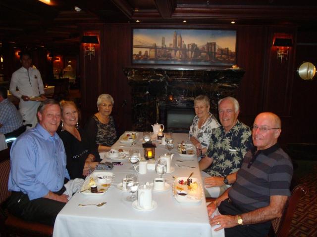 (l-r) Max, Crystal, Diamond, Mary, Randy and Lee
