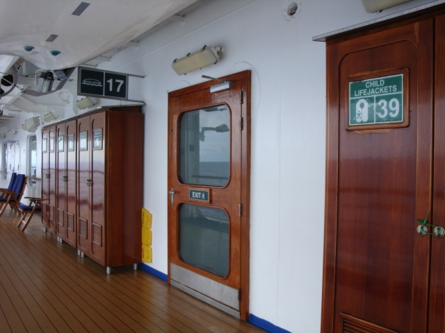 I loved the wood deck chairs, lockers and door fames on the Promenade Deck.