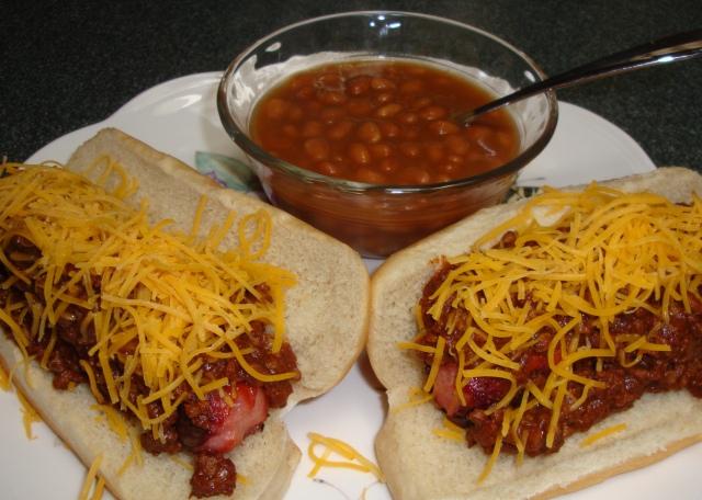 Yummy Cincinnati Chili dogs