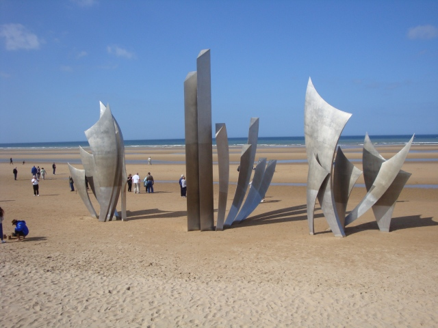 Les Braves War Memorial on Omaha Beach