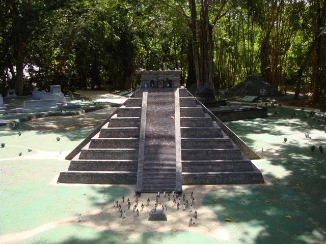 Chichen-Itza, Yucatan